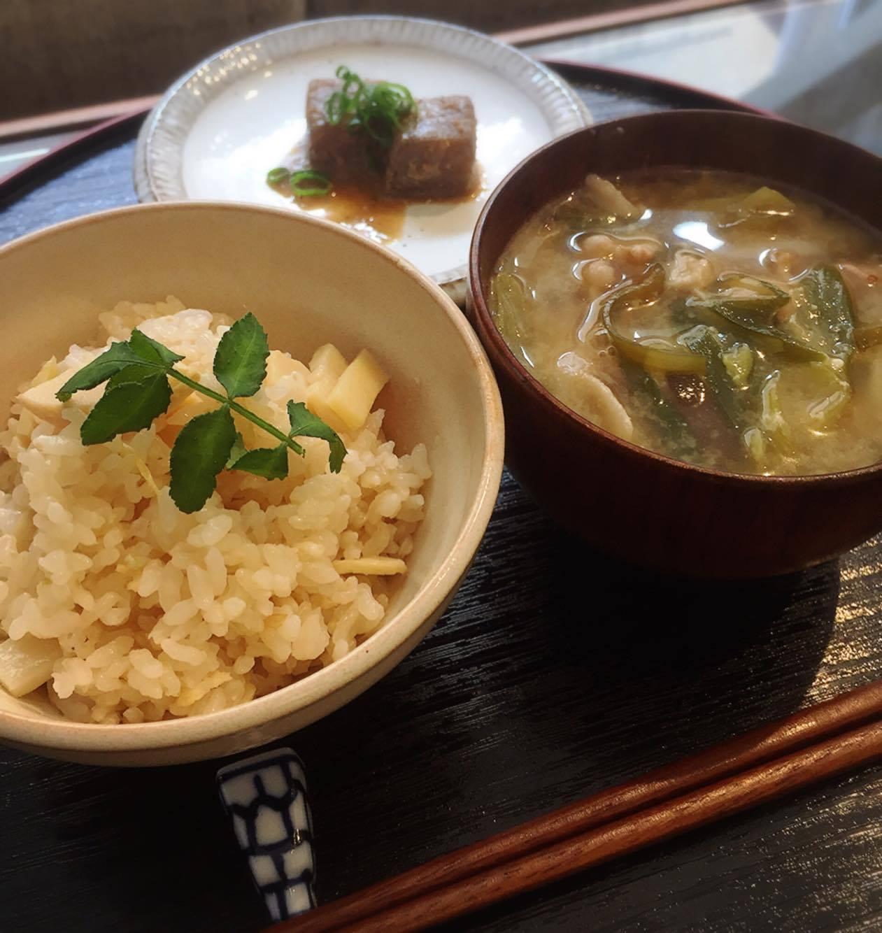 【卒業:木曜昼枠のお店紹介】カフェあずき~一汁一菜ランチとあんこスイーツ~